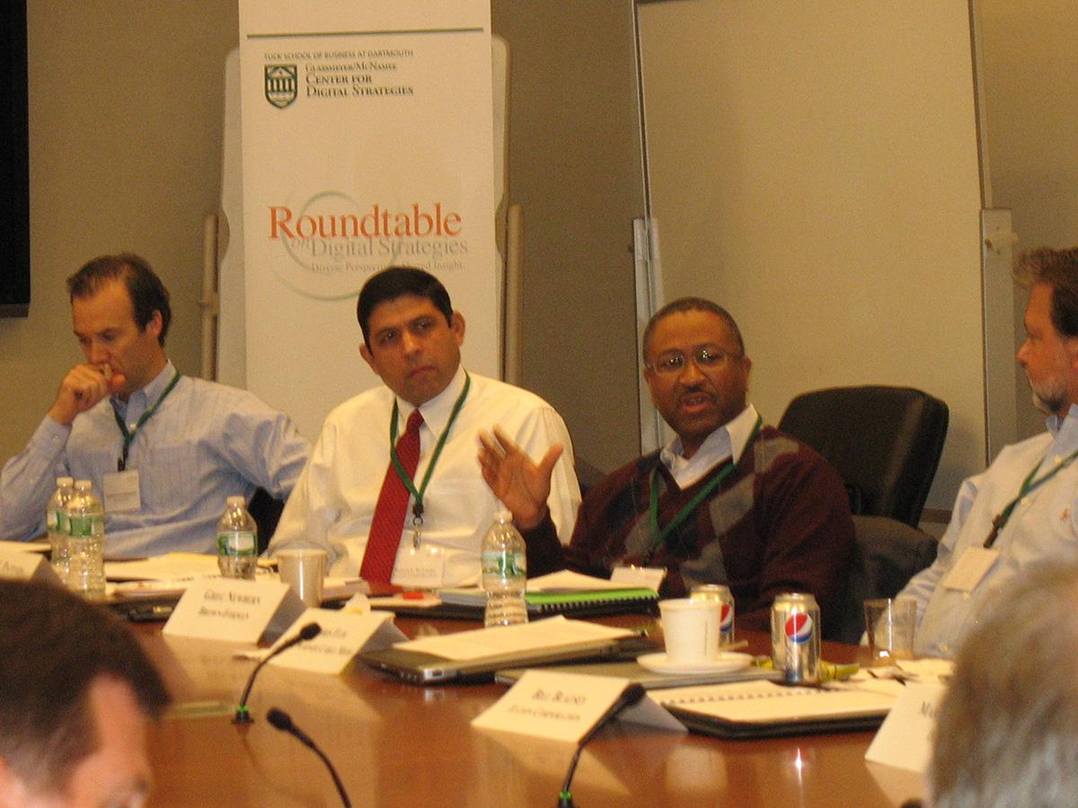 Oct_Roundtable_2013d.jpg